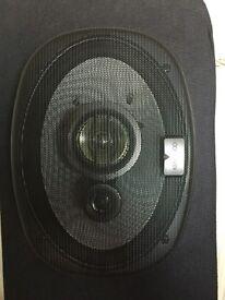 2 Kenwood speaker 320w