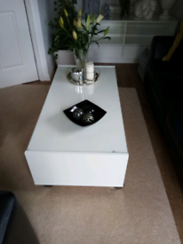 Matching tv/consul/sideboard unit & matching coffee table