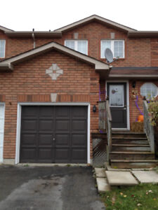 LOVELY TOWNHOME 3+1 BEDROOMS