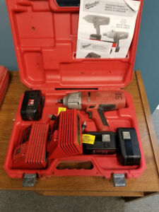 MILWAUKEE 9079-20   1/2' DRIVE 18V CORDLESS IMPACT WRENCH