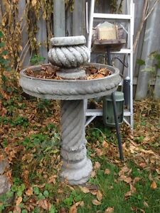 Birdbath Cambridge Kitchener Area image 1