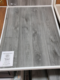 7mm laminate floor + FREE UNDERLAY Deal!
