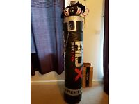 5ft heavy bag with wall bracket