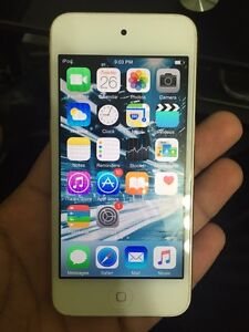 iPod Touch 5th Generation 32GB Gold