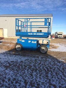 SCISSOR LIFT FOR RENT OR SALE