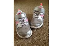 Nike trainers infant 8.5