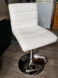 Good quality white chair stool, with height adjustment