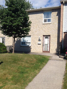 3 + 1 Bedrooms Townhouse for Rent in Port Credit