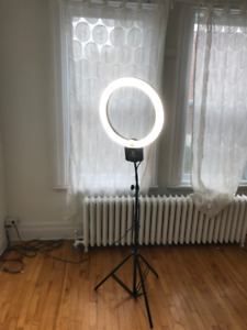 DIVA RING LIGHT - Professional photography light w/stand
