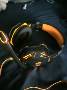 PC Gaming headphones with mic