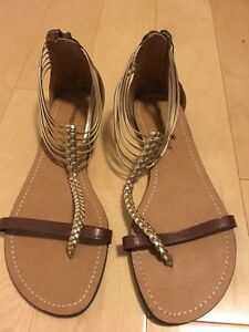 Size 7.5. Never worn. From Payless