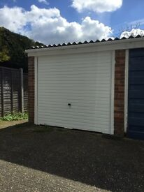 Garage for rent - cheap