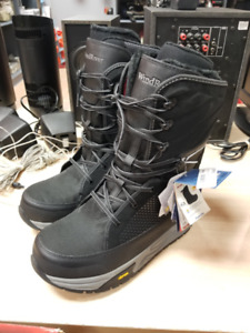 WindRiver TruForm Winter Boots - Size 10 - Brand New