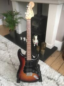 Electric Guitar - Fender HSS American Special Strat / Stratocaster - absolutely PERFECT condition!
