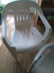 Great condition plastic chairs (Very sturdy)