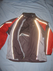 Nylon Vintage NIKE Jacket - Great for spring or sports!