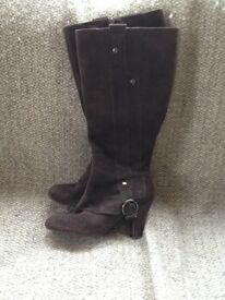 Wide calf boots size 5