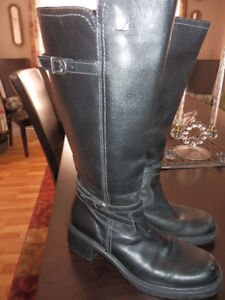 NEW LADIES BLACK LEATHER BOOTS