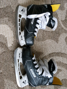 Bauer ignite pro skates youth size 13.5