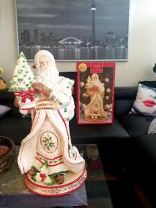 Porcelain Lenox Holiday Santa Centerpiece
