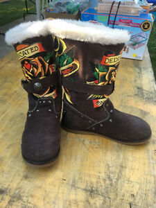 OBO  ED HARDY MidCalf BrownSuede w/Rose & Heart