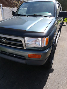 Toyota 4runner 1997 4 cylinders  with rear diff lock