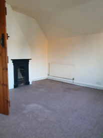 2/3BED HOUSE NN5 LOCATION FURNISHED