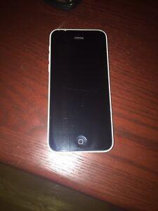 16GB IPhone 5C . Virgin/Bell (White)