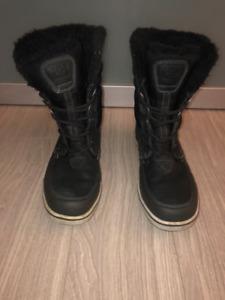 Helly Hansen men´s Garibaldi cold weather boots