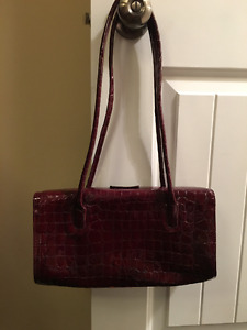 Patent Leather Bag Made in Italy Deep red/burgundy