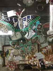 Shop Canada's largest antique mall 600 booths PLUS Jewelry  Stratford Kitchener Area image 7