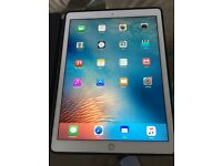 AS NEW 128gb iPad Pro 12.9'' Wi-Fi and Cellular Model (2 weeks old)