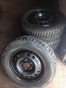 4 Uniroyal Tigerpaw Studded Winter Tyres on Rims For Sale!!!