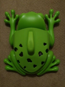 Boon Frog Bath Toy Holder w Suction Cup Back