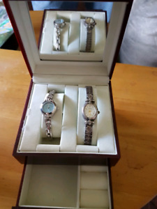 Jewelry box with 2 watches