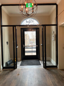 Charming 2 BED Apartment Downtown Kincardine * Lake View