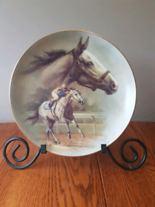 Equine collector plates