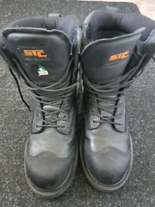 STC SAFETY BOOTS SIZE 8