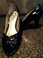 Liz Claiborne ladies shoes