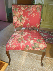 RED FLORAL CHAIR Kawartha Lakes Peterborough Area image 4