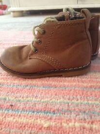 Boys boots junior size 4