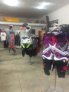 THOR DIRT BIKE CLOTHING UP TO 50% OFF BLOW OUT