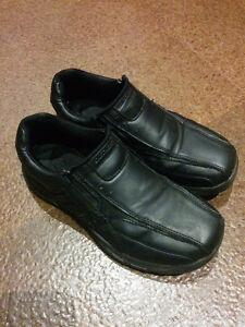 Size 5 Sketcher Dress Shoes