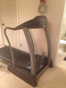 Commercial Horizon Fitness Elite Treadmill 4.2-Paid $2300