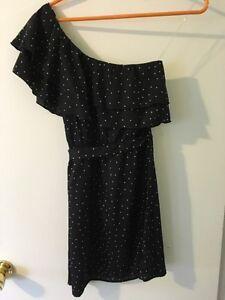 Women's Indulge Off the Shoulder Dress Size Medium Black London Ontario image 3