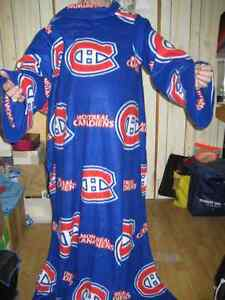 Reduced price New Montreal Canadians snuggly blanket Gatineau Ottawa / Gatineau Area image 1