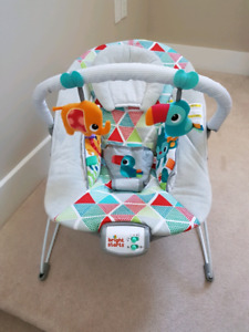 Bright Stars Toucan Bouncer Chair