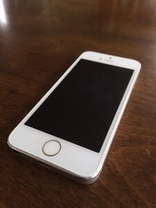 iPhone 5s 16gig with Bell