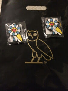 Drake exclusive OVO x Takashi Murakami keychain (yellow)