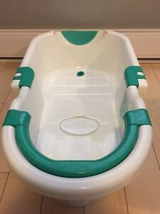 Safety 1st Adjustable Baby Bathtub